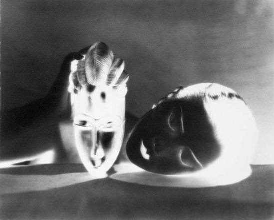 6.-Man-Ray-Negative-Noire-et-blanche-Man-Ray