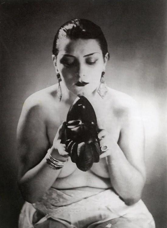 Black & White (Kiki) 03 - Man Ray,1926