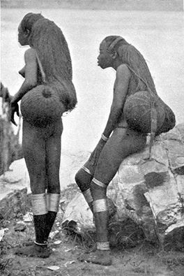 Women of the Sango Tribe, Banzyville (Ubanghi) (c. 1905) Henry Wellington Wack .
