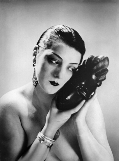 Man Ray Noire et Blanche 1926.jpg