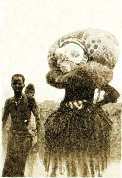 1904. Musée du Congo.Il Fetisher, il Ganga o Moganga