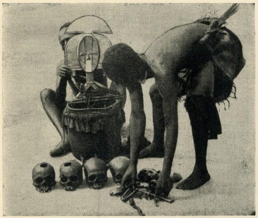 Kota-reliquary-with-skulls-Gabon-Chauvet-1024x868