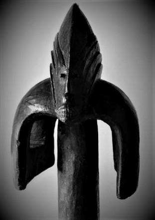 Mumuye testa frontale bianco nero